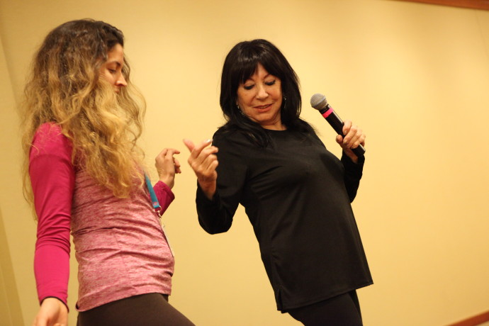 Living Legend of Burlesque, Delilah Jones, teaching at Burlycon 2015