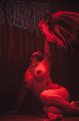 Calamity Chang performing in the Utrecht burlesque show, International Burlesque Circus: Exotic Sensations