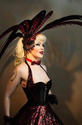 Burlesque Performer Dangrrr Doll