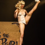 Rubie and the Pearl performing at the 2014 Toronto Burlesque Festival