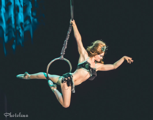 Tova de Luna competing for best debut at the 2015 Burlesque Hall of Fame Miss Exotic World competition.